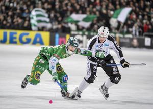 Mikael Nilsson, med totalt nio säsonger i SAIK-tröjan, tränar nu på egen hand när övriga laget kört i gång försäsongsträningen.