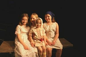 Föreställningens barn samlade