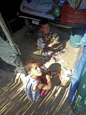 Flyktingarna bor i misär.