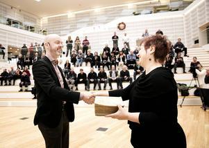 Jonny Gahnshag, kommunalråd Falun (S) och Maria Hilliges, rektor för Högskolan Dalarna under invigningen av högskolans nya bibliotek i Falun.