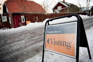 Två villor i Falun såldes för över 4,5 miljoner kronor vardera. Fastigheter för över tre miljoner kronor har även sålts i Borlänge, Mora och Rörbäcksnäs (Malung-Sälens kommun). Detta går att utläsa i listan över de senaste fastighetsaffärerna.