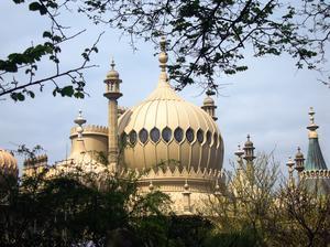 Kung George IV lät bygga det överdådiga The Royal Pavillion mitt under pågående hungersnöd.