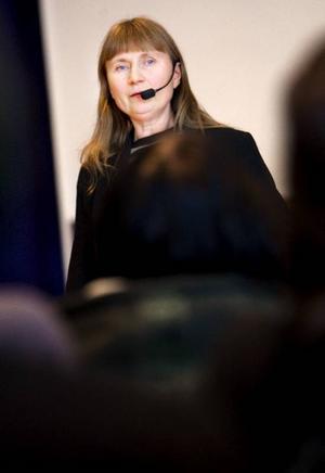 Lise Axelsson är ledare för Ella pop/rock linje på Gotland där de lägger stor vikt vid genusperspektiv i musikbranschen. I veckan föreläste hon för musikeleverna på PC.