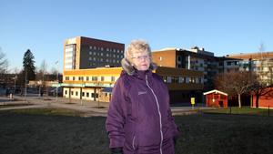 """Britt Janwald från Kommunala pensionärsrådet menar att behovet av ett funktionellt lägenhetshus är stort.  """"Det finns några bra, men de räcker inte till. Det finns över 3000 pensionärer i Fagersta""""."""
