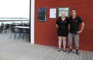 Pernilla Mets och Mats Jonsson jobbar på Hamnkrogen.