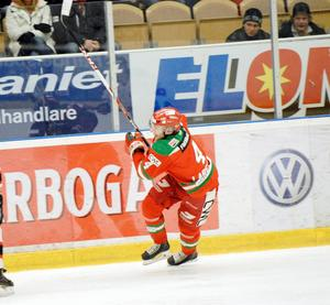 Tomas Larsson fick en väldigt kort fjolårssäsong. Nu ser han fram emot den kommande och allra först helgens cup; Mora Armatur Trophy i FM Mattsson Arena.