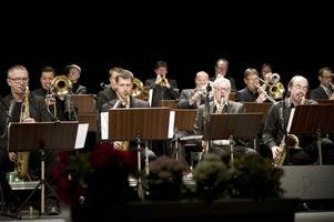 Tolvan big band spelade i Falun under torsdagskvällen.