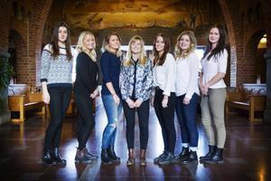 De uttagna luciakandidaterna är från vänster till höger: Felicia Dalborg, Thyra Nilsson, Anja Störvold, Sanna El Kott Helander, Madeleine Nilsson, Ella Skäremark och Nathalie Edholm.