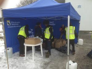 Sex personer från arbetslivsförvaltningen på Härnösands kommun fanns på plats för att svara på frågor om den nya sophanteringen.