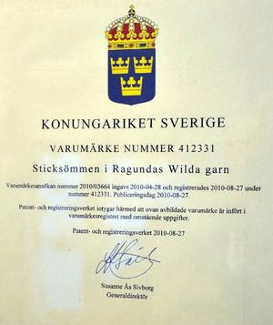 Ett generaldirektörssignerat certifikat bekräftar att Ragundas Wilda garn är varumärkesskyddat.
