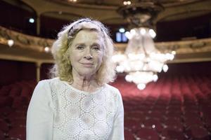 Liv Ullmann tar avsked av teatern med