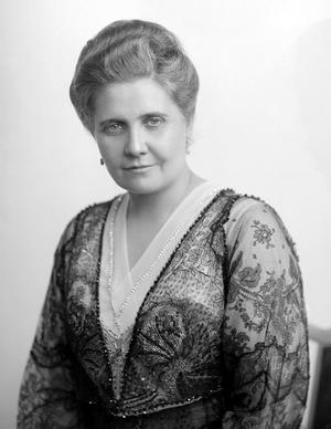 MJÖLKKOSSA. Ninni Kronberg från Gävle utvecklade torrmjölken på 1930-talet och var med och startade storföretaget Semper. Hennes uppfinning drog in mycket pengar men själv fick hon inte så stor del av kakan. Ur Gävle stadsarkivs bildarkiv