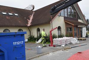 Bygget av den nya gymnasiskolan pågår för full och allt beräknas vara klart till årskiftet.