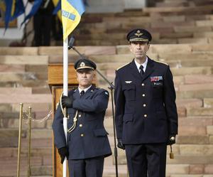 ÖB Micael Bydén har att återställa förtroendet snabbt för försvarsmakten efter löneskandalen.