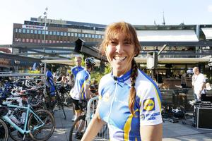 Cyklisten Cilla Westman har själv haft cancer och det fick henne att omvärdera varför hon cyklar.