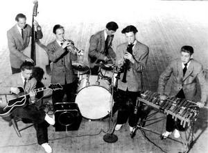 John-Åkes Orkester, anno 1947. Från vänster: Stig Andersson, Bertil Persson, Bertil Sandberg, Rune Borg, John-Åke Karlsson och Lennart Rosén.