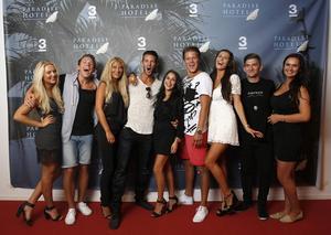 Ylva Fogel, Kristian Täljeblad, Saga Scott, Joakim Köhler, Jasmine Gustafsson, Joel Hellström, Natalie Andersson, David Lövgren och Ulrika Forsberg är de tio deltagarna som är med i första avsnittet av TV3:s