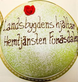 Hemtjänsten i Funäsdalen får Ränningsvallens byalags utmärkelse Landsbygdens hjältar för särskilt goda insatser och stort engagemang.