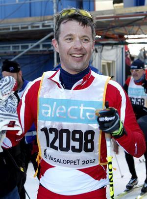 Den danske kronprinsen Frederik åkte Vasaloppet och tog sig i mål på under sju timmar.