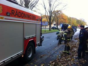 Räddningstjänst fick rycka ut för att få loss kvinnan.
