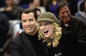 Travolta och hurman borde kanske hålla sig för skratt, Be cool är nämligen inte så rolig.