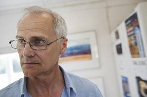 Leif Nordlöf tog initiativet till den första konstrundan för sju år sedan, 2005. Det innebär att årets runda var den åttonde i ordningen. Själv ställde han ut hemma i Ämnebo.