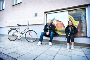 Gala-arrangörer. Stefan Olsson och Helena Westberg från Kris, kriminellas revansch i samhället, arrangerar en drogfri gala på Musikhuset under Valborg.