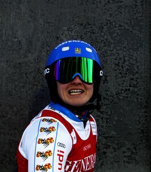 Jens Byggmark väntar spänt på resultaten efter sitt andra åk i herrarnas slalom.