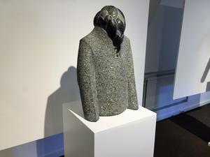"""""""Linnés rock"""", som stickad i granit."""