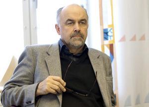 Stefan Bäckström (C) tycker att det är bra med konsensus och breda lösningar.