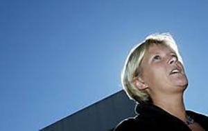 Foto: LEIF JÄDERBERGSer ljust ut. Valvinden verkar blåsa kommunikationsminister Ulrica Messings väg just nu. Ja-sidan ökar i opinionsmätningarna.