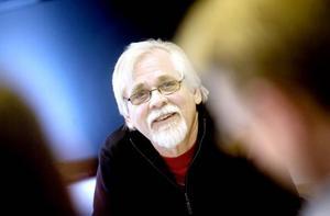 Författaren Bernt-Olov Andersson har tidigare lett liknande kurser på andra ställen men brinner extra för uppgiften eftersom det handlar om hemorten.