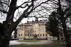Klockhuset på Frösön inrymmer Arnljotskolan som det här läsåret har 220 elever upp till årskurs 2.