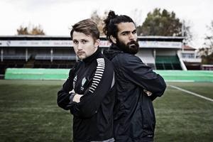 Brages Adam Gradén och Dalkurds Peshraw Azizi poserar för Sporten 2014.