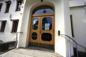 Kvinnan dömdes i Hudiksvalls tingsrätt till skyddstillsyn och samhällstjänst för misshandeln.