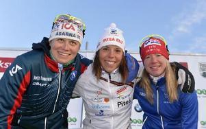 Ida Ingemarsdotter Åsarna trea, Charlotta Kalla, Piteå Elit etta och Sofie Bleckur, IFK Mora, tvåa i längdpremiären i Bruksvallarna. Foto: Nisse Schmidt/DT
