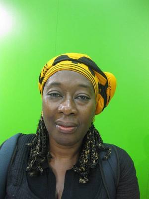 Yaba Badoe, ghanansk författare bosatt i England:- Ama Ata Aidoo från Ghana, Nuruddin Farah eller Chinua Achebe.
