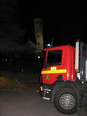 Två brandbilar och ambulansen larmades till Östra berget.