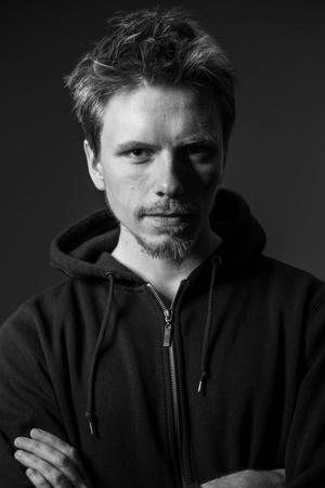 Henrik Bodin-Sköld från Strömsbruk släpper debutskiva.