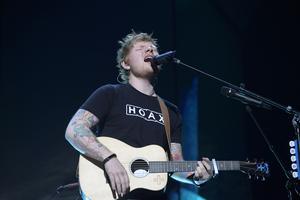 Ed Sheeran i Globen. Västeråsduon Anwai har slagit sig in på samma virala lista som popstjärnan.