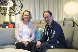 Det blir fortsatt jobb i möbelbutiken för Carina Kihlström efter att Peter Olsson köpt den och behåller alla de tio anställda.