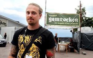 Alexander Högbom har vanan inne av att ordna konserter – han började redan i gymnasiet. – Jag har alltid tyckt att det är roligt, och jag hade en önskan om att ordna en festival. Foto: Jennie-Lie Kjörnsberg