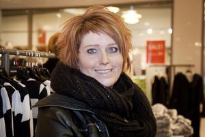 Katarina Anundi Ekström: – Nej, inte direkt. Men jag köper kläder åt mig själv på rean om det är någonting som jag behöver.