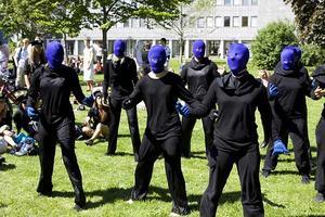 Rudbeck SP07B utklädda till Blue man group.
