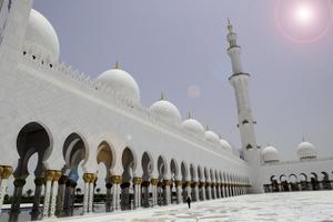 Jumeirah-moskén i Dubai. Nu satsar emiratet på att locka till sig fler rättrogna muslimer.