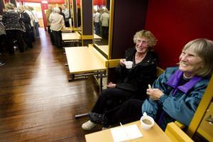 Bra filmer, gott kaffe, goda kakor är betyget från Agneta Norberg och Anna-Stina Oskarsson. De besöker även de vanliga biograferna och senast såg de