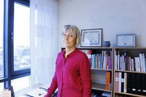 Ann-Katrin Sundelius, kommundirktör, svarar på kritiken.