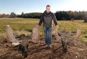 Peter Mångs hade med sig fina troféer från helgens jakt i Jämtland.