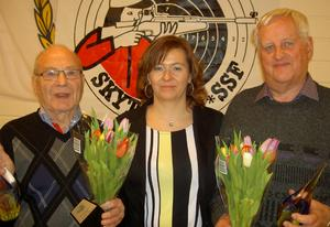 Prisades. Inge Edman, Marie Enqvist och Nils-Erik Johansson