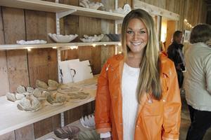 Maria Wallin, uppvuxen på Muskö, var en av hantverkarna som presenterade sina varor i den nya gårdsbutiken.